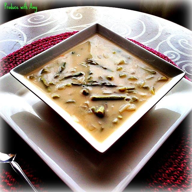 Creamy Asparagus Soup for Spring