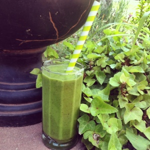 Nectarine and Basil Green Smoothie