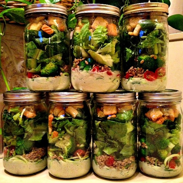 Broccoli & Zucchini Mason Jar Salads with Creamy Cucumber Dill Dressing
